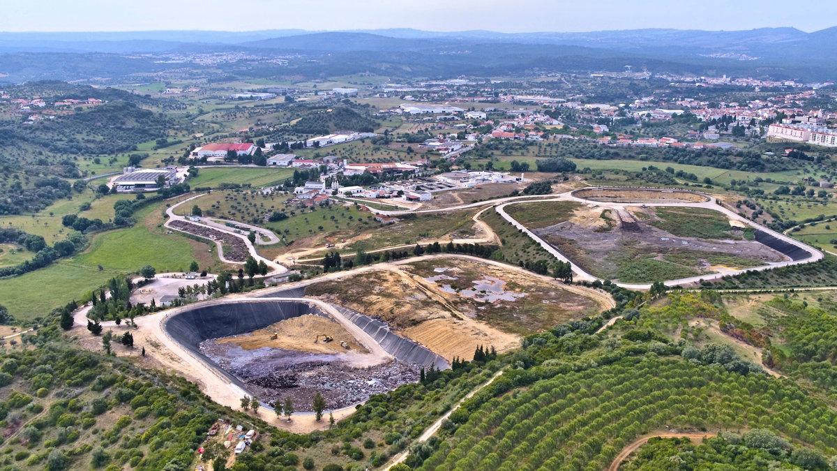 Vista aérea do aterro de Resíduos Sólidos Industriais.